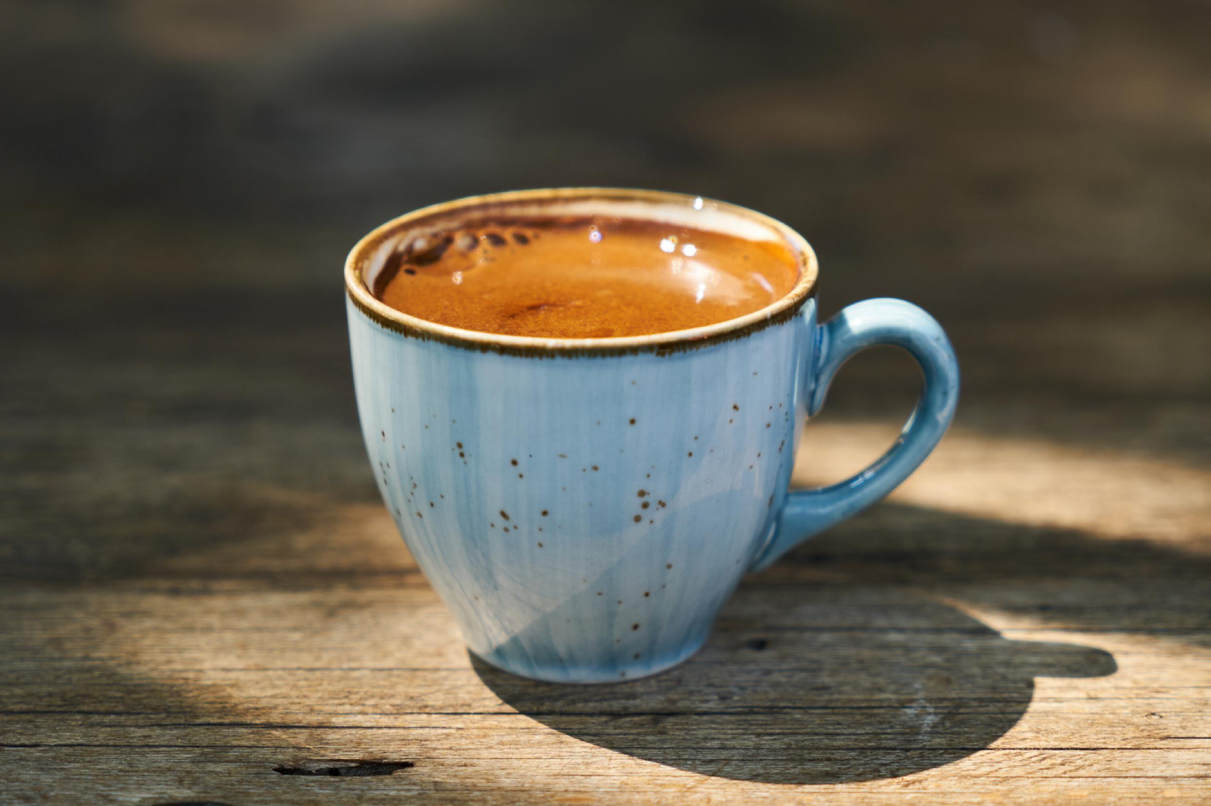 sininen kahvikuppi